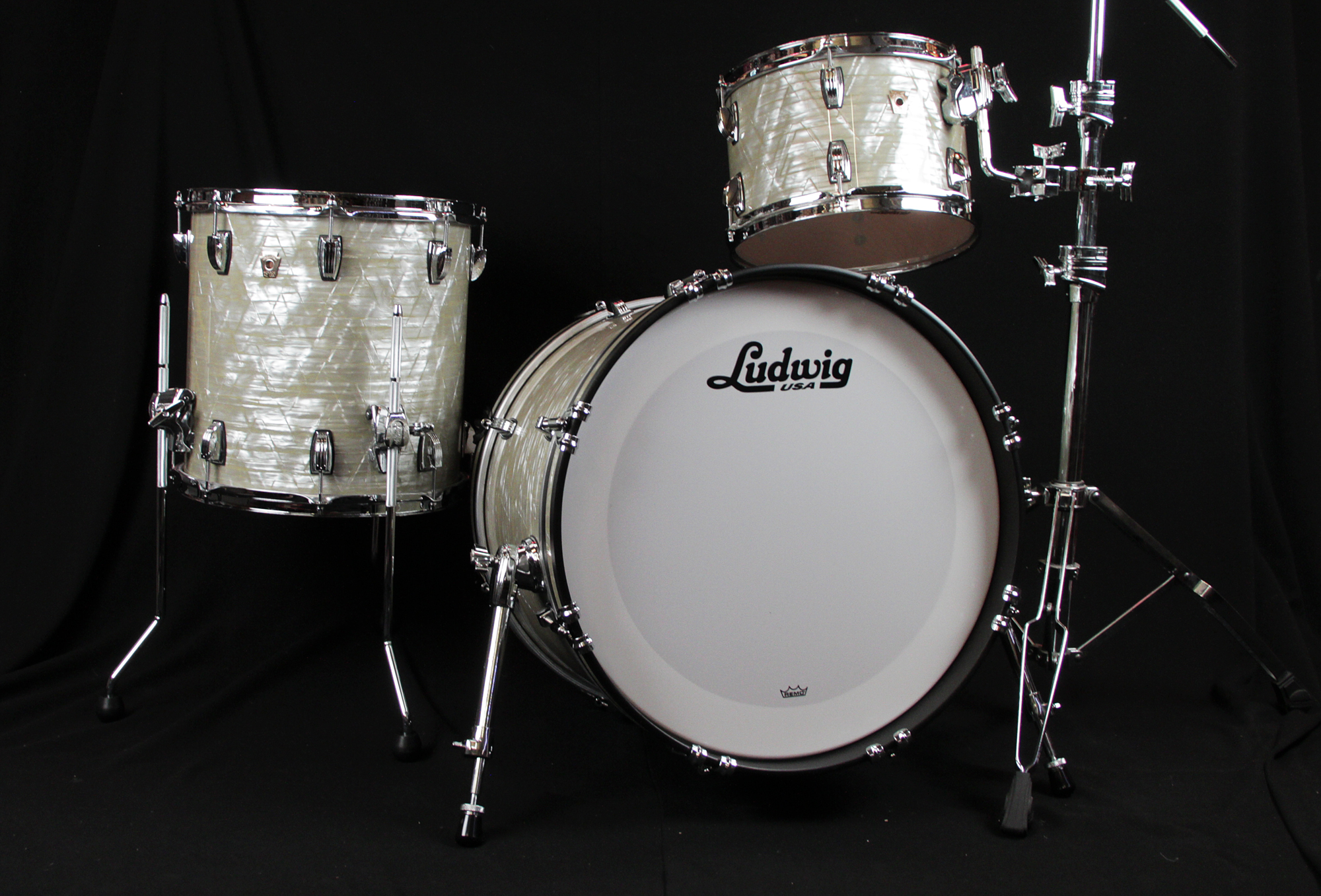 acoustic drum kits ludwig usa classic maple 20 39 39 downbeat drum kit classic olive pearl. Black Bedroom Furniture Sets. Home Design Ideas