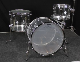 Dw_Design_Acrylic_Drum_Kit_221216_01