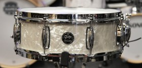 Gretsch_Renown_Vintage_Pearl_Snare_01