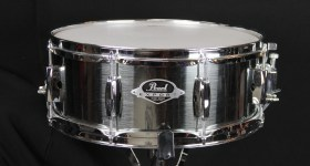 Pearl_export_Snare_Drum_Smokey_Chrome_14x55