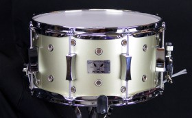 PorkPie_BStock_Snare_13x7_Vented_Squealer_Champagne_01