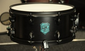 SJC_Pathfinder_Snare_Drum_Midnight_Black_01