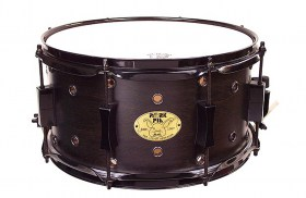 snares-squealer7x13-vented-blackhardware